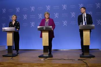 Statsminister Erna Solberg holder pressekonferanse for barn vedrørende koronaviruset.