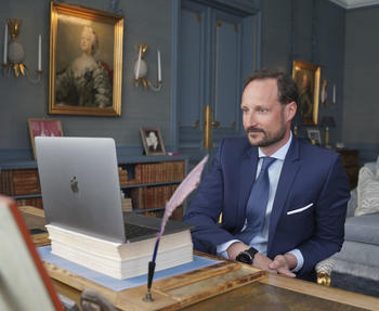H.K.H. Kronprins Haakon holder digital audiens. Foto: Det kongelige hoff