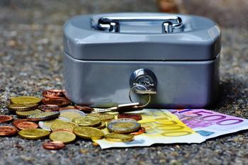 pengeskrin og pengar