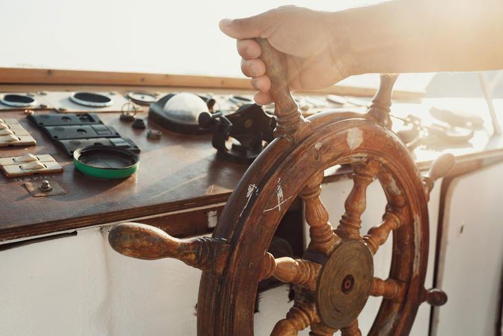 Rattet til en båt