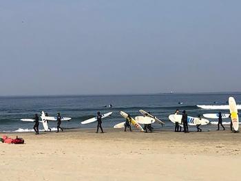 surfing på strand